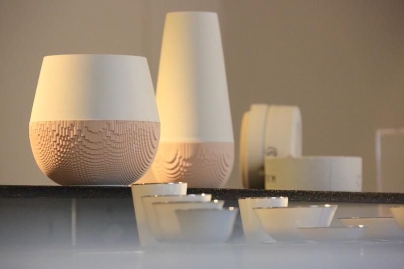 table, émail, porcelaine